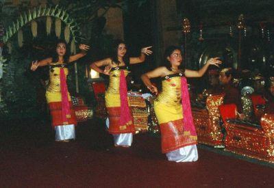 Bali Barong dance