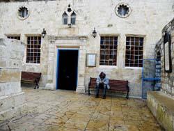Ari_Ashkenazi_Synagoguer