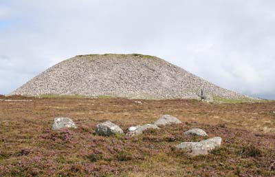 Maeve's_Cairn