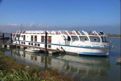 barge docked